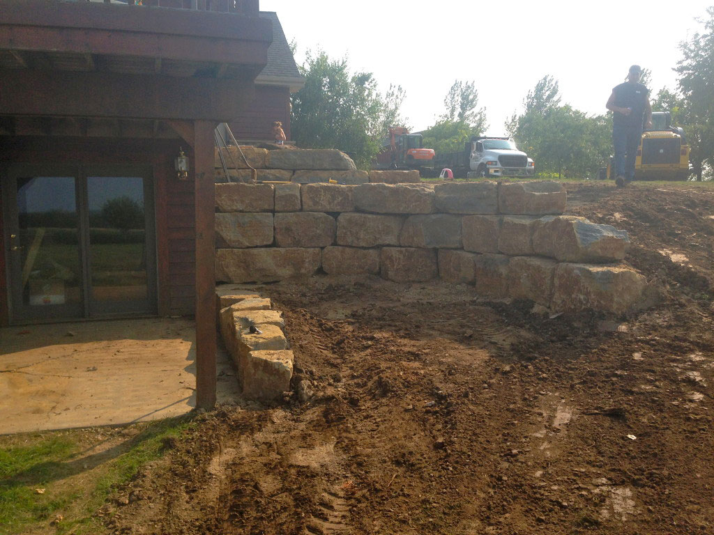 how to build concrete retaining wall with stairs